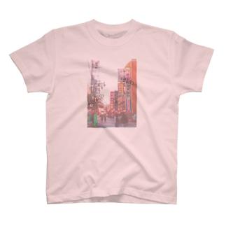 新世界 T-shirts