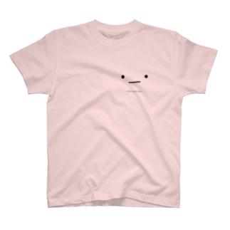 シャイな黒目さん T-shirts