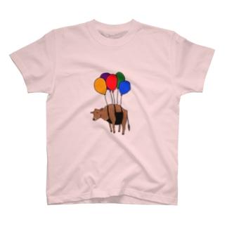 風船ふわふわ牛さん T-shirts