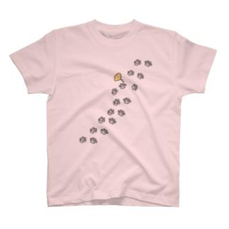 足跡 T-shirts