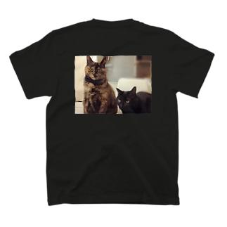 ミーナさんたちに監視されています T-shirts