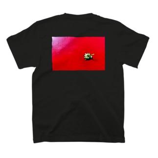 〈white logo〉strawberry back print T-shirts