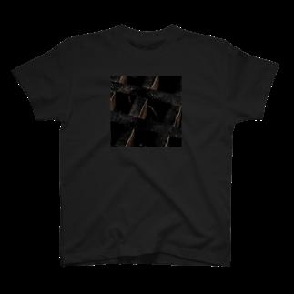 UshunのUshun/DIRTY T-shirts