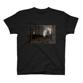 境界 T-shirts