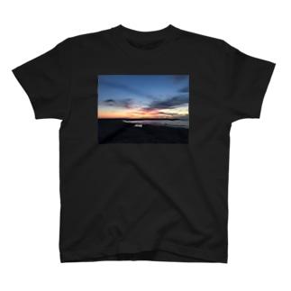 きくらげちゃんの眠り T-shirts
