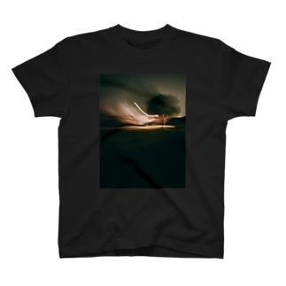 宇宙との交信 T-shirts