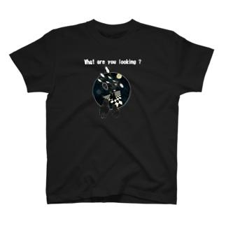 ペンギンちゃん、何見てるの? (前後2面プリント)  T-shirts
