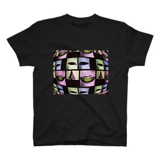 金縛りなった時に見た景色 T-shirts