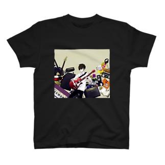楽器男子 T-shirts