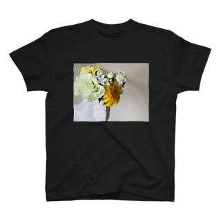片手に花束 T-shirts