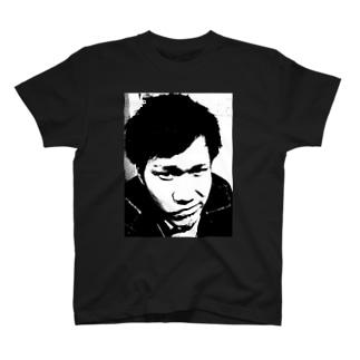 ものくろのざきちゃん T-shirts
