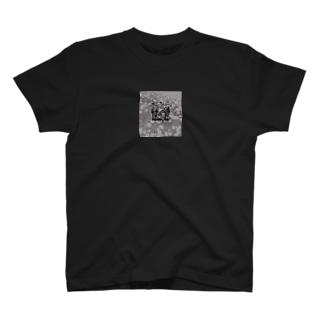 らくがきもりのおうち・お花背景 T-shirts
