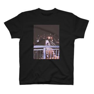 246  よる T-shirts