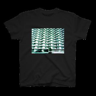 masamitsu_magomeのsuburbia_04 T-shirts