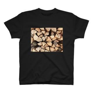 おじいさんの薪割り T-shirts