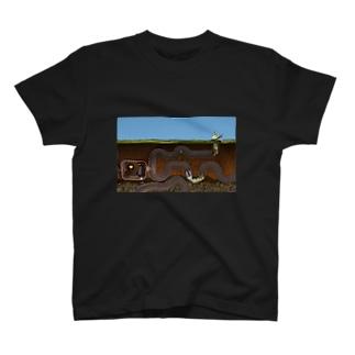 「獅子として生きる」フェネック -迷路- Tシャツ