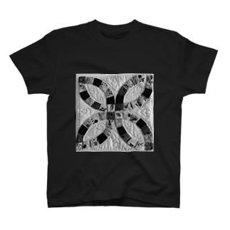 ダブルウェディングリング(モノクロ) T-shirts