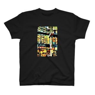 センター街 T-shirts