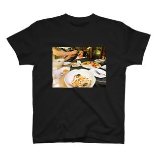 はらぺこ赤ちゃん T-shirts