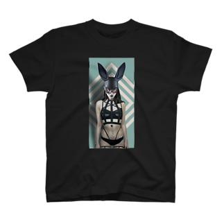 黒兎 T-shirts