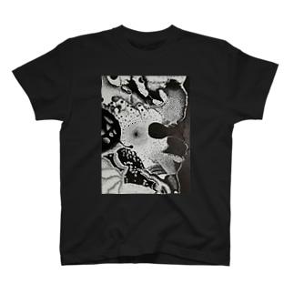 空間 T-shirts