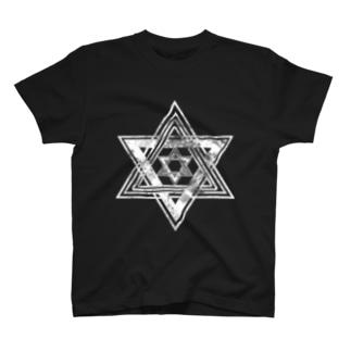 六 T-shirts