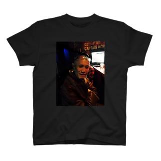 珍問屋 T-shirts