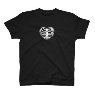 ハートの肋骨 T-shirts