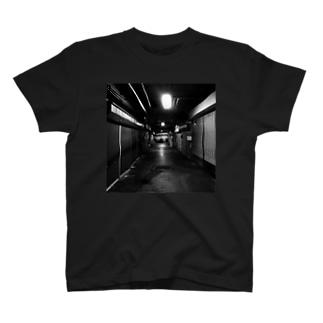 普通じゃない T-shirts
