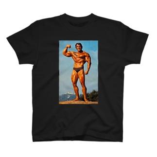 シュワちゃん崇拝です T-shirts