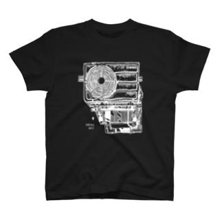 室外機の黒いTシャツ(白) T-shirts