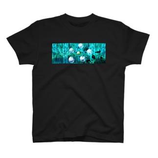 suparnaのガジュマルの森の中で T-shirts