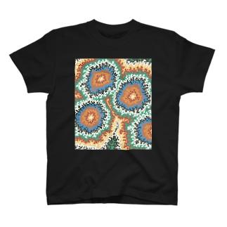 おちついた極彩色 T-shirts
