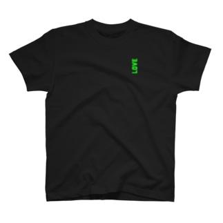 ばあばが残した大量のLOVE T-shirts