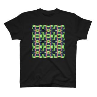 マダライモリ模様 T-shirts