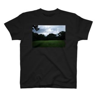 翌日ぼくはの砧公園 T-shirts