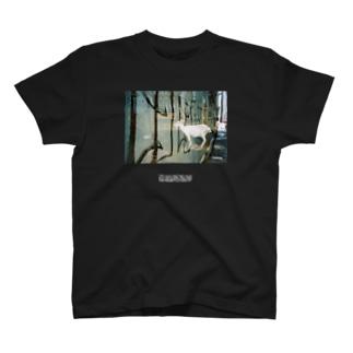 山羊 T-shirts