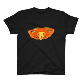 だいだい色の蛾 T-shirts