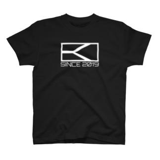 Rinoスクエアロゴ T-shirts