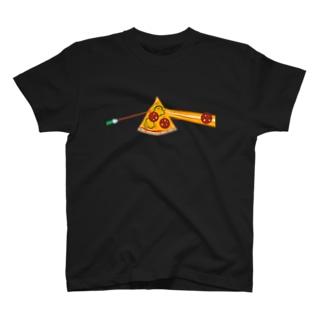 狂気とチーズほとばしるピザ T-shirts