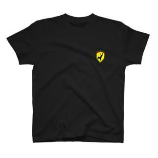 フェラーリ?ん?逆立ち? T-shirts