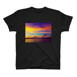 絶望と希望 T-shirts