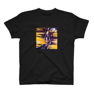 夜伽 T-shirts