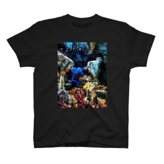 海の中で T-shirts