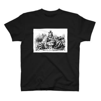 鏡の国のアリス 女王アリス T-shirts
