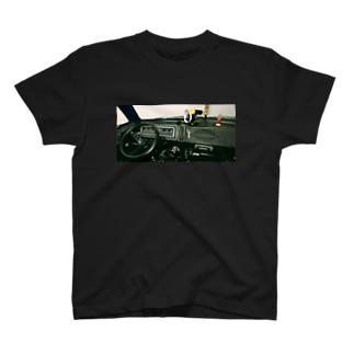 ダッジバンダッシュボードビュー T-shirts
