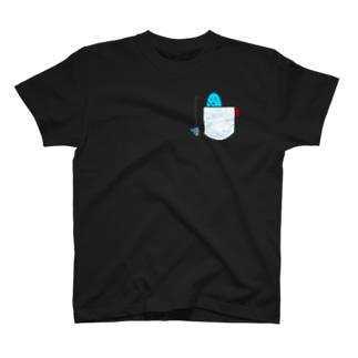 釣りをする海坊主(波柄) T-shirts