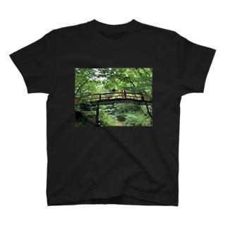 大ジャンプ T-shirts