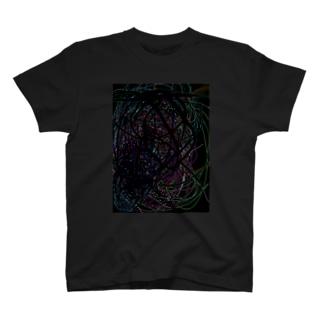 降臨 T-shirts