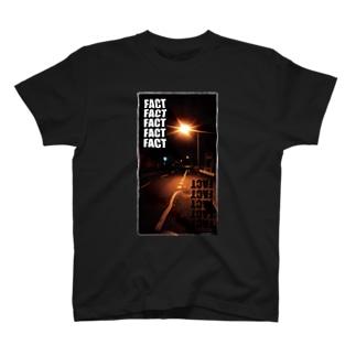 fact & fact T-shirts